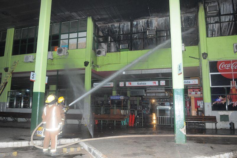 Terminal de Ómnibus: Incendio deja pérdidas millonarias