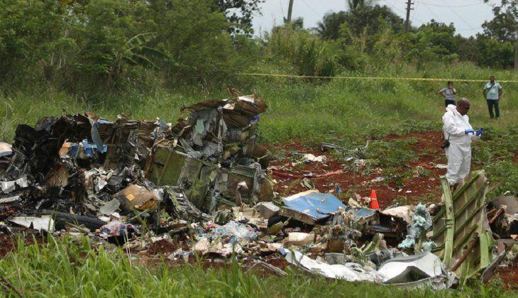 Superviviente de accidente aéreo muy grave, pero consciente, orientada y activa