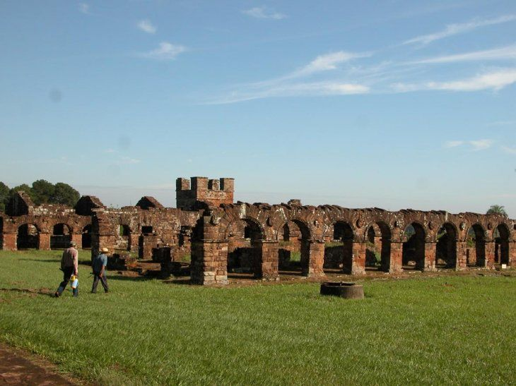 Uno de los destinos turísticos más visitados son las Ruinas Jesuíticas.