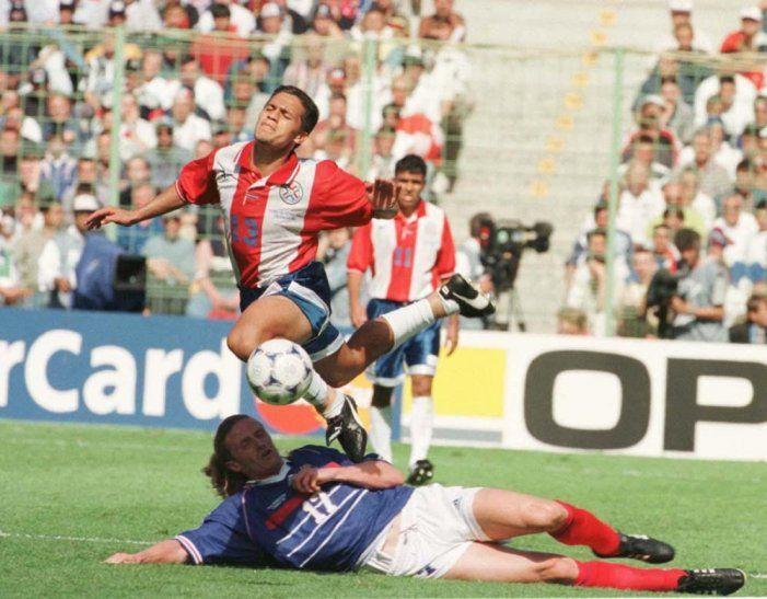 Carlos Humberto Paredes tuvo un alto rendimiento durante el Mundial de Francia 98.<br>