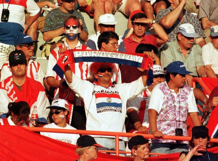 La afición paraguaya respaldó fuertemente a la Albirroja. <br>