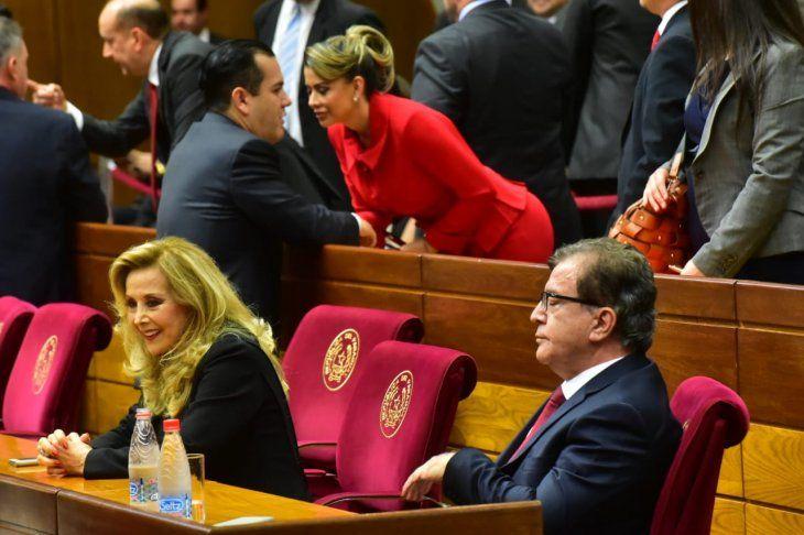 El Ministerio de Salud inicia la investigación de oficio ante denuncias sobre la supuesta vacunación de la senadora Mirta Gusinky.