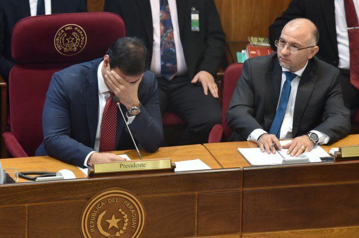 El senador Silvio Ovelar se mostró en contra del proyecto que topea salarios de funcionarios públicos.