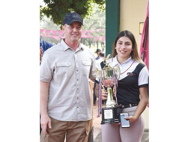 Campeona.  Micaela Flores
