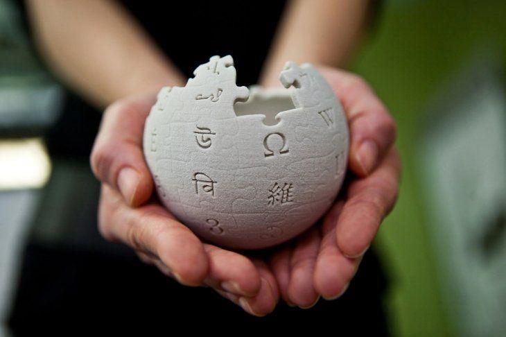 Wikipedia echa el cierre para protestar contra la Eurocámara