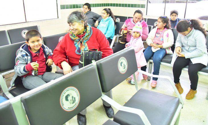 IPS: En receso escolar, niños copan los consultorios de ...