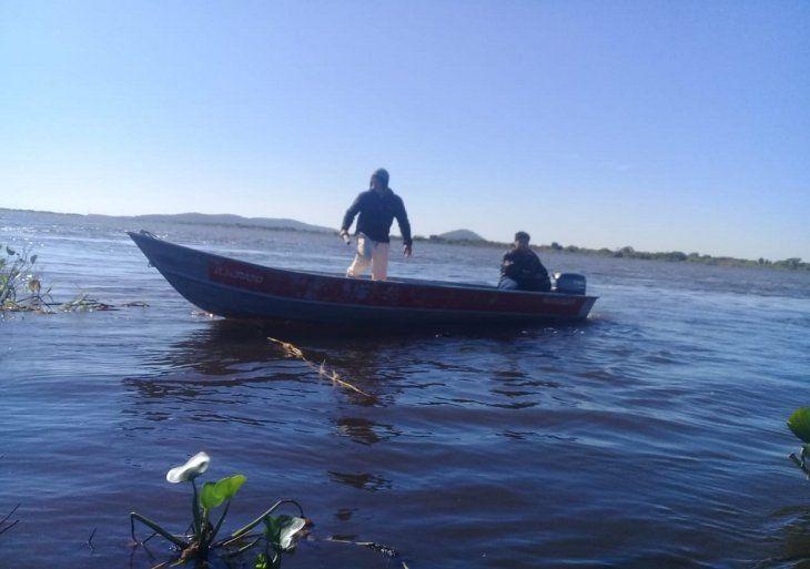 Buscan a pescador desaparecido en Puerto Casado.