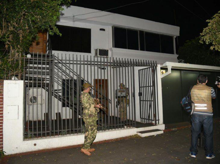 Detienen a capo narco en mansión de un ex jugador de Vélez