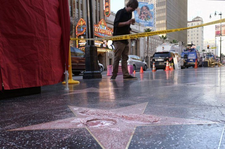 Destruyen con un pico la estrella de Trump en Hollywood
