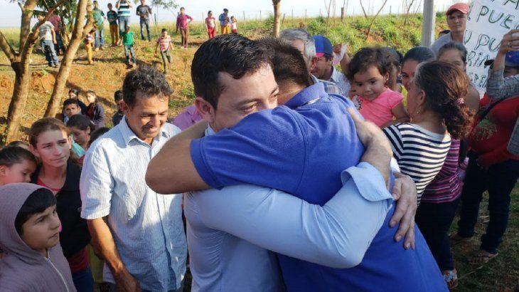Con mucha emoción, los labriegos fueron recibidos en la comunidad.