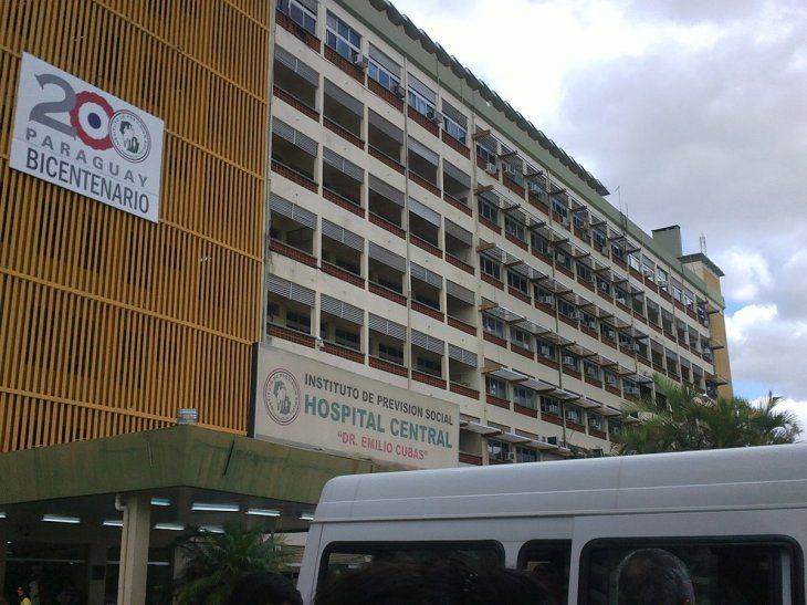 La docente se encuentra internada en el Hospital Central hace un mes y 15 días.