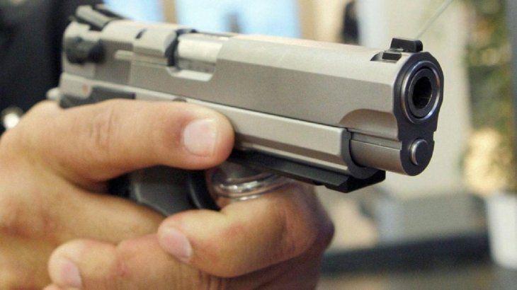 Las dos víctimas fallecieron a causa de disparos de arma de fuego.