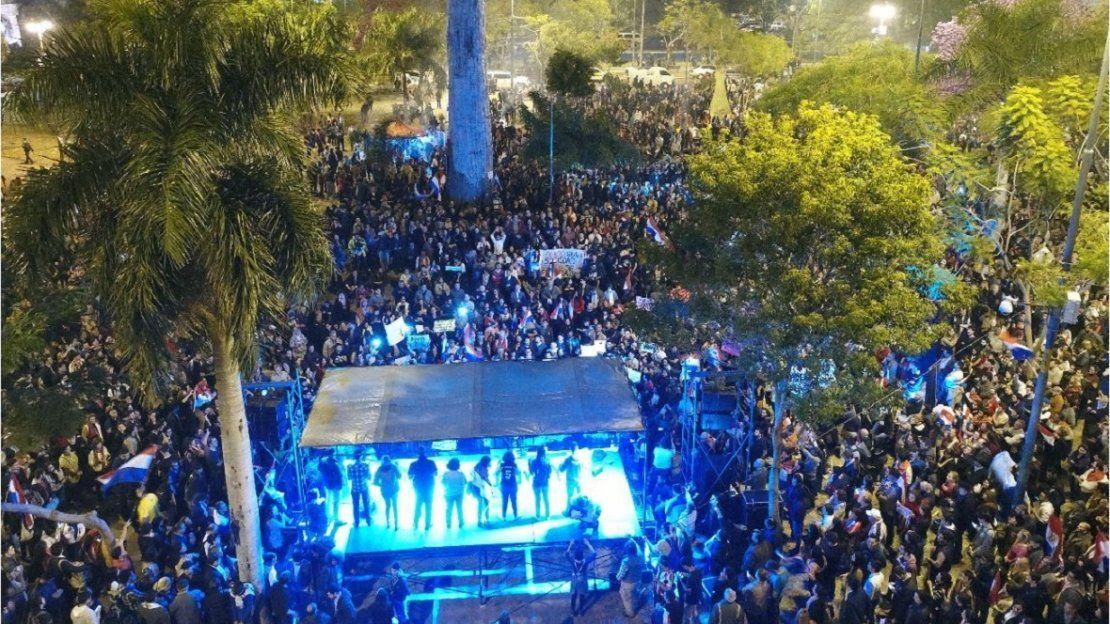 La Plaza de Armas se llenó de protestas contra la corrupción política