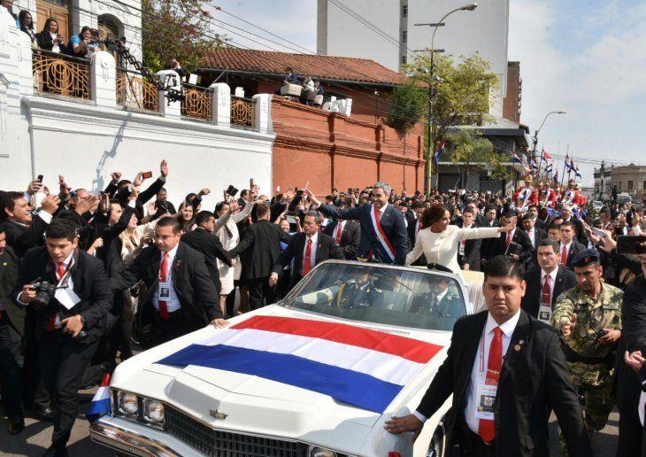 Marito llegó hasta la Catedral Metropolitana en el mismo vehículo que utilizaba Alfredo Stroessner.