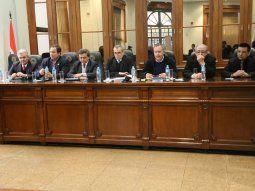 Miembros del Jurado de Enjuiciamiento de Magistrados en sesión ordinaria.