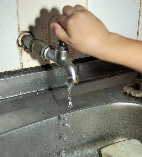 El servicio de agua potable sufrirá un incremento en la tarifa desde el mes de setiembre.