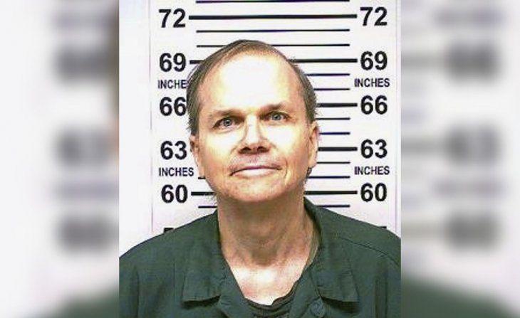 Deniegan por décima vez la libertad condicional al asesino de John Lennon