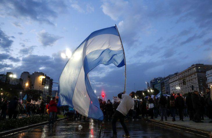 Hubo corridas y detenidos en Plaza de Mayo — Marcha Nacional Educativa