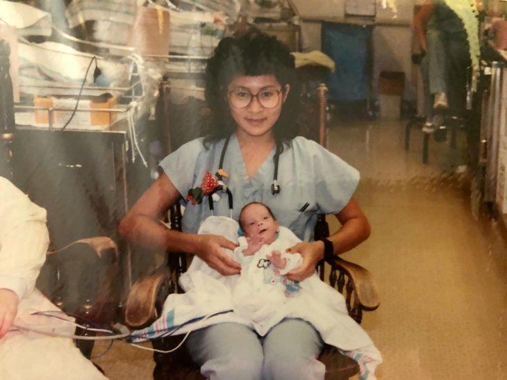 Ella le salvó la vida cuando nació; 28 años después trabajan juntos