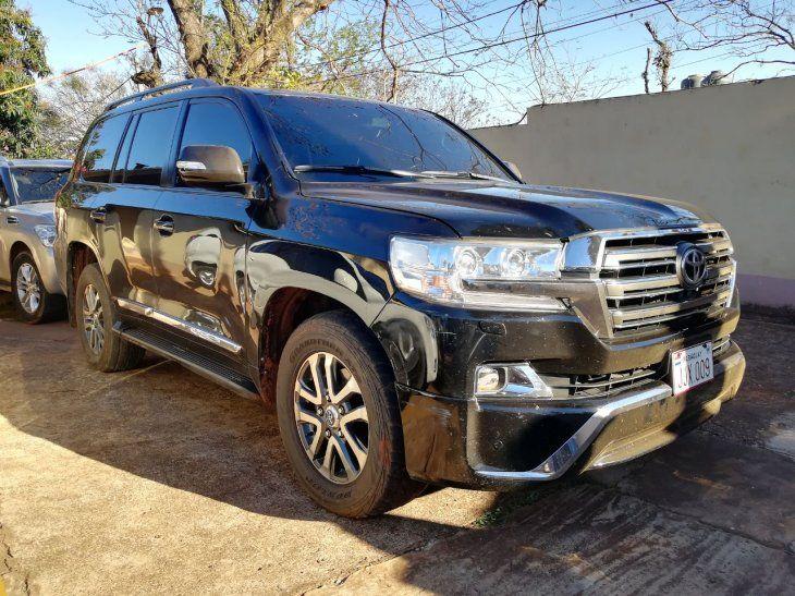 <p>La camioneta del presunto jefe narco Reinaldo<em> Cucho</em> Cabaña que era utilizada por el diputado Ulises Quintana.</p>«/></figure>    <p>La camioneta del presunto jefe narco Reinaldo «Cucho» Cabaña que era utilizada por el diputado Ulises Quintana.» id=»5003671-Libre-1625618638_embed» /></p>    <p>La camioneta del presunto jefe narco Reinaldo<em>Cucho</em>Cabaña que era utilizada por el diputado Ulises Quintana.Gentileza.</p>    <h3><strong>Justo Cárdenas, ex presidente del Indert</strong></h3>    <p>Justo Pastor Cárdenas, quien fue titular del Instituto Nacional de Desarrollo Rural y de la Tierra (Indert) durante el Gobierno de Horacio Cartes, guarda reclusión en la Penitenciaría Nacional de Tacumbú desde el pasado 3 de diciembre, por disposición del juez Rolando Duarte.</p>    <p>Fue imputado por la fiscala Natalia Fúster por lavado de dinero y enriquecimiento ilícito. También fueron procesados por lavado de dinero los hijos del ex alto funcionario: Justo Cárdenas Pappalardo, María Alexandra Cárdenas Pappalardo y Allan Cárdenas Rodríguez.</p>    <p>La investigación que pesa sobre el ex miembro del gabinete en el Gobierno de Horacio Cartes tiene que ver con la falta de justificación sobre la adquisición de bienes y crecimiento económico desde 2014 por la suma de G. 2.644 millones (USD 448.135).</p>    <h3><strong>Rubén Quesnel, ex presidente del Indi</strong></h3>    <p>El 28 de agosto se daba a conocer la condena de 10 años de prisión para el ex titular del Instituto Paraguayo del Indígena (Indi) Rubén Darío Quesnel, por el desvío de G. 3.127 millones (USD 530.000) que debían ser destinados a las comunidades indígenas Sawhoyamaxa y Yakye Axa del Chaco, en cumplimiento de la sentencia de la Corte Interamericana de Derechos Humanos.</p>    <p>Además, tiene prohibición de ejercer cargos públicos por cuatro años y 50 días. El condenado fue titular del Indi durante el Gobierno de Federico Franco (2012 -2013).</p>    <p>Quesnel ya fue condenado en 2015 a seis año
