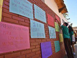 Los estudiantes pidieron mayor presupuesto para educación al ministro Eduardo Petta.
