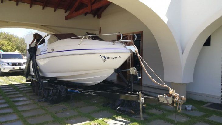 <p><em>Cucho</em> contaba con una embarcación para navegar.</p>