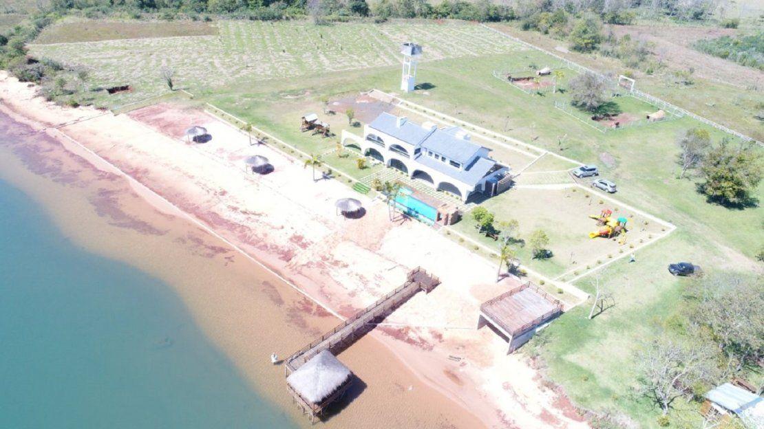 Majestuosa casa quinta de Cucho en Alto Paraná
