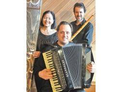 Músicos.  Utahito Kitahara,  Shen Kyomei Ribeiro y Gabriel José Levy conforman el Trío Kagurazaka.