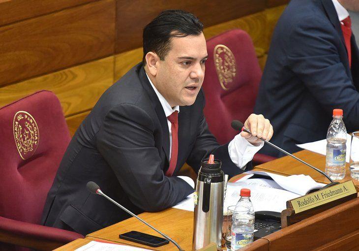 El senador Rodolfo Friedmann.