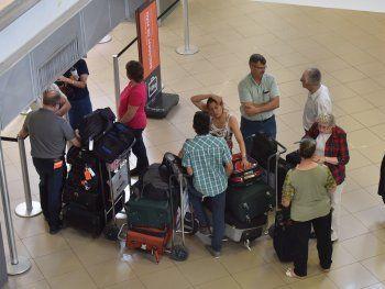 Los vuelos están suspendidos por la huelga de sindicatos de Argentina.