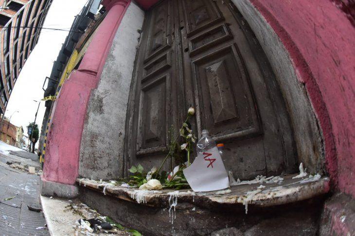 <p>Detrás de esta puerta estaba el cuerpo putrefacto del padre de Dalma Rojas.</p>