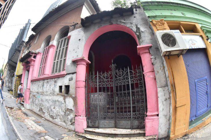 La ahora conocida como Casa del Horror está ubicada en las calles Oliva y Montevideo