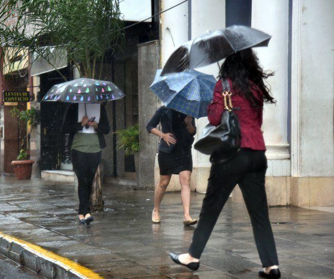Meteorología anuncia un miércoles con precipitaciones y tormentas eléctricas.