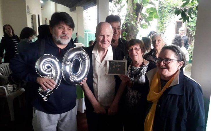 Pai Oliva celebra su cumpleaños rodeado de amigos.