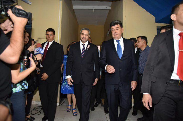 Mario Abdo Benítez llegó hasta la sede del Partido Liberal Radical Auténtico (PLRA).