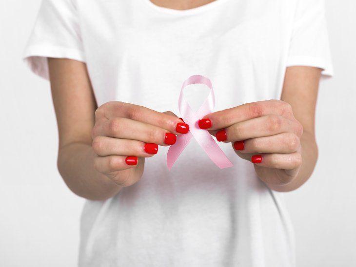 Varias instituciones se suman a la lucha contra el cáncer de mama.