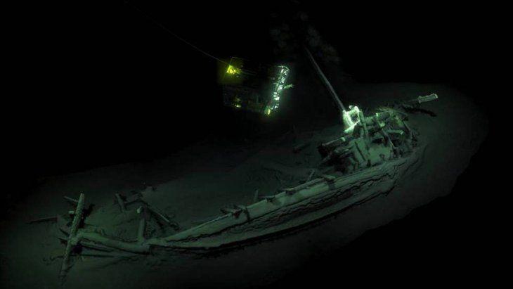 Descubren en aguas búlgaras el barco intacto más antiguo del mundo