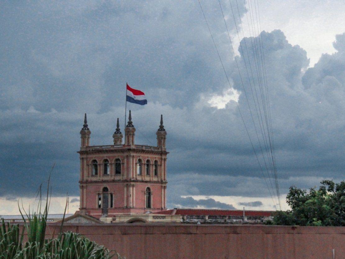 Meteorología anuncia un lunes cálido y con lluvias dispersas
