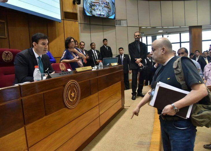 El senador Paraguayo Cubas dirigió las amenazas al titular del Senado
