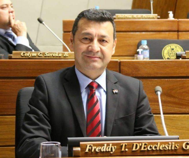 Freddy DEcclesiis. Es diputado por la ANR.23.541millones de guaraníes declaró como patrimonio neto en el 2016. Hermano