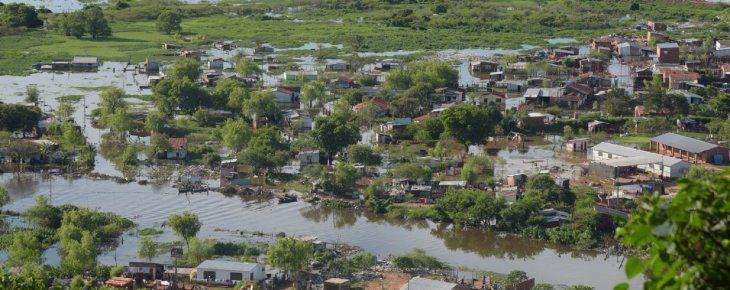Avance. El río Paraguay subió 11 centímetros en un solo día y pone en jaque a las familias asentadas en la zona ribereña.