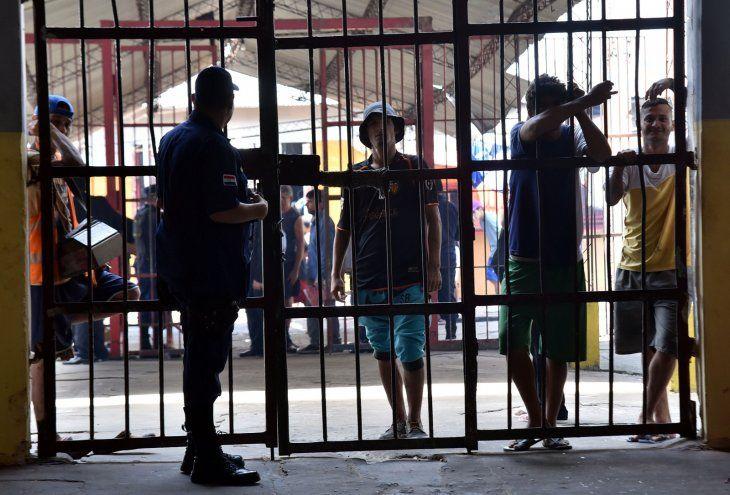 Los internos en la Penitenciaría Nacional de Tacumbú están hacinados.
