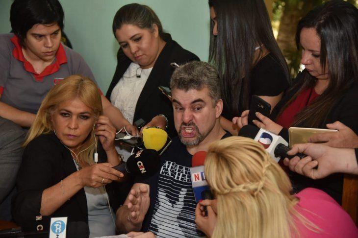 Marcelo Piloto admitió en conferencia de prensa que se dedica al tráfico de armas y de drogas en Paraguay.