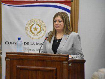 Sandra Quiñónez expresó su apoyo a los fiscales.