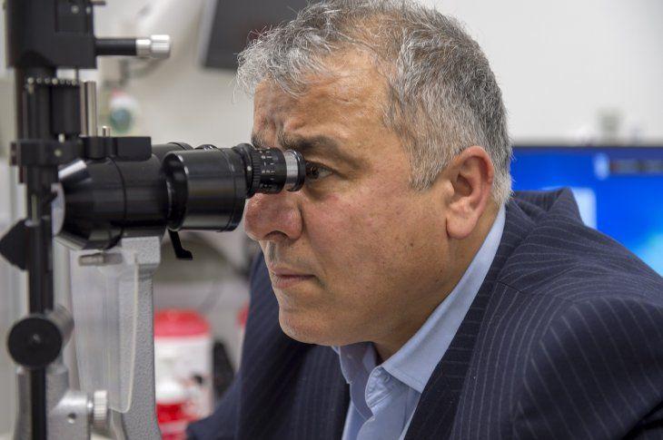 Entre los principales síntomas de esta enfermedad se encuentran el ardor en los ojos