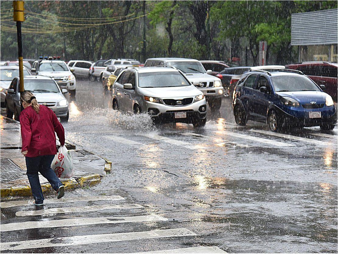 Investigación revela que comercios pierden más de USD 10 millones en días de lluvia