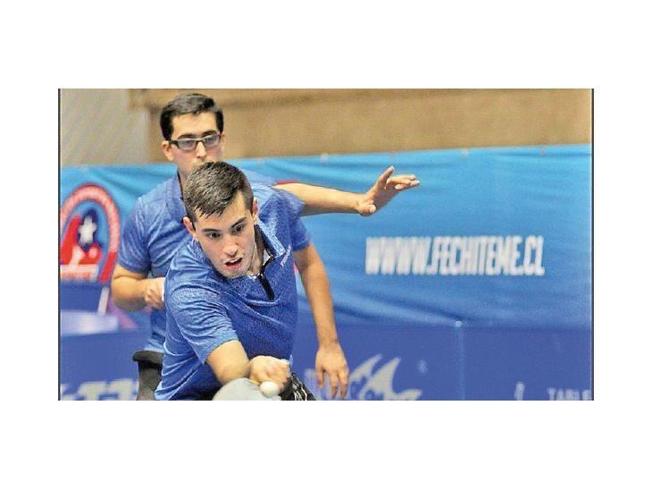Gran gestión. Alejandro Toranzo e Italo Ibáñez en acción.