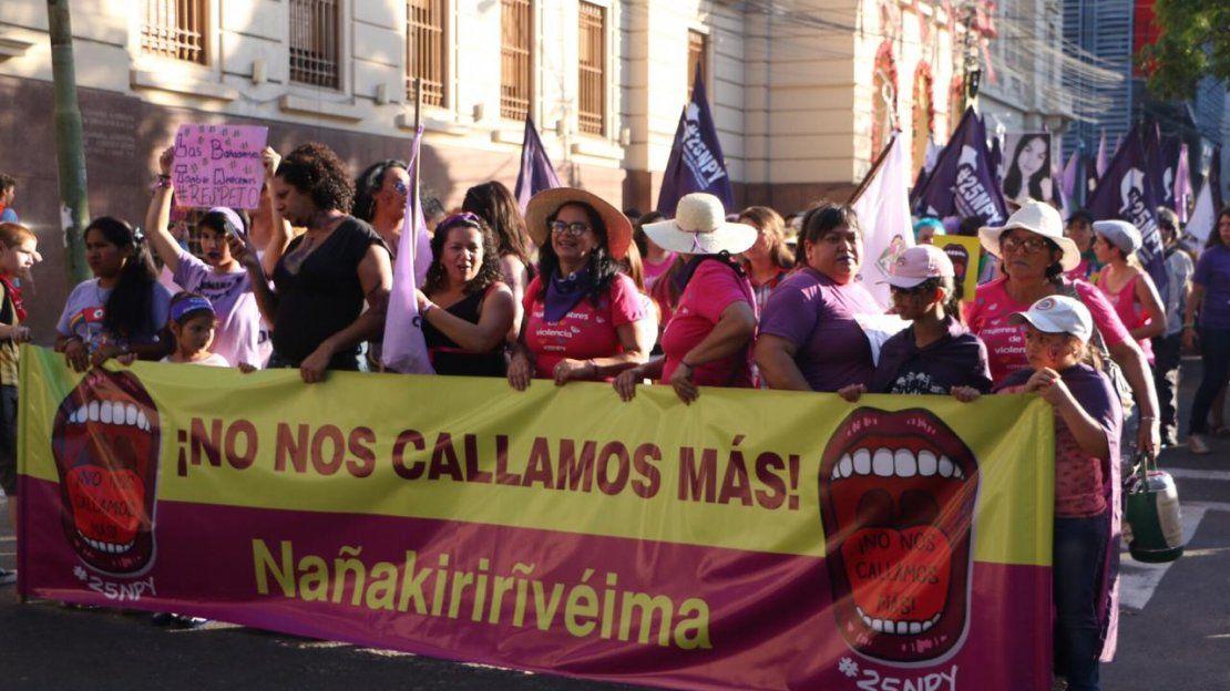 #25NPy: La marcha de mujeres para exigir el cese de la violencia