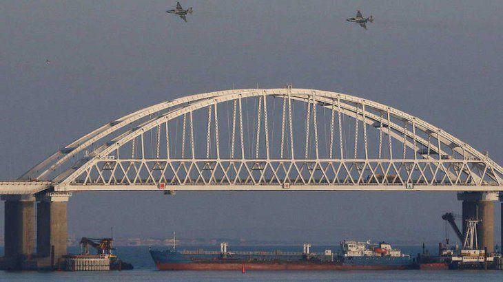 Ucrania acusa a Rusia de capturar tres navíos militares ucranianos