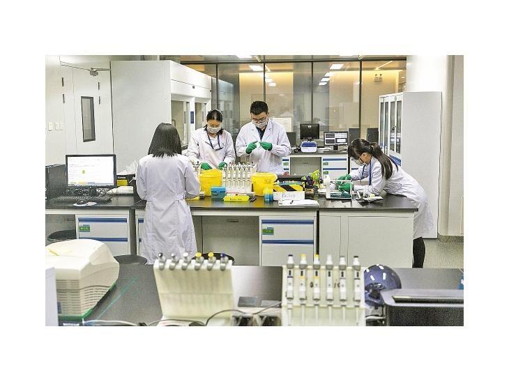 Científico chino asegura haber creado gemelas modificadas genéticamente